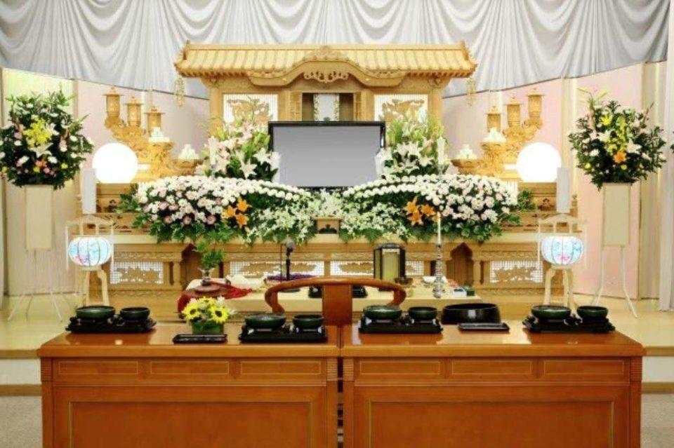 葬儀費用の相場はどれくらい?内訳と形式について説明