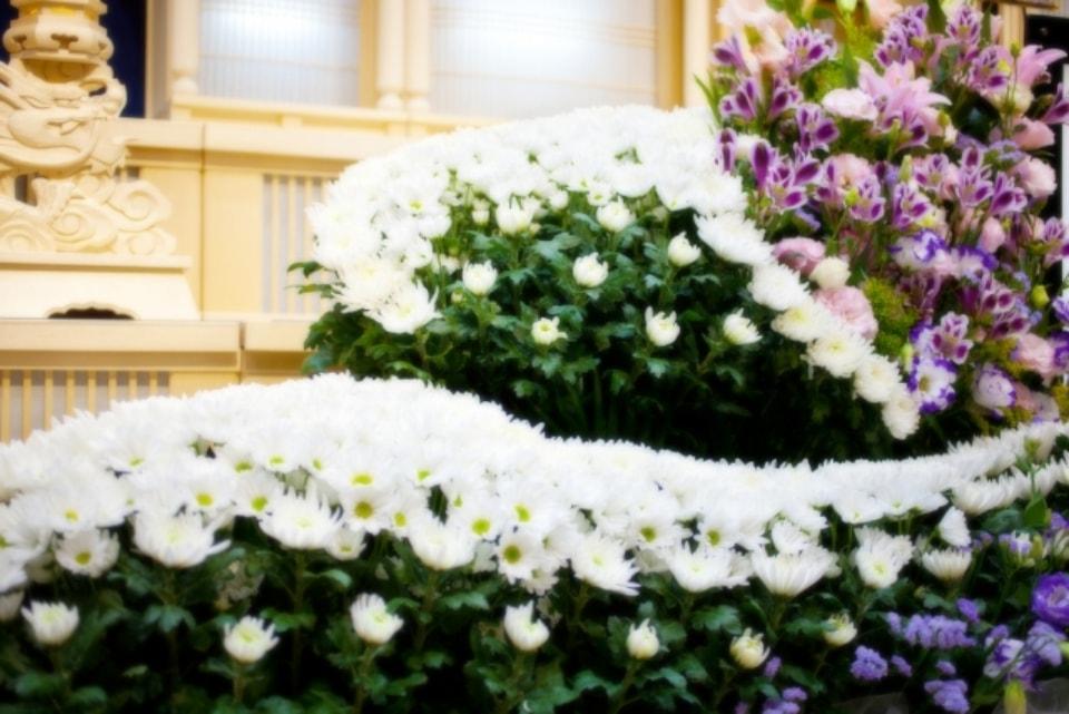 偲ぶ会と葬儀の違い