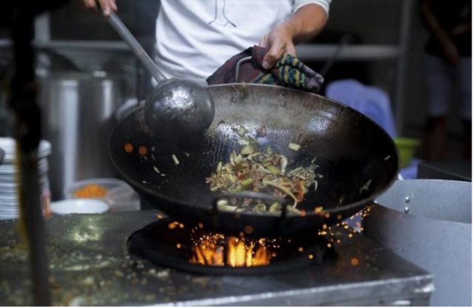 飲食店の集客に動画は有効?料理のビジュアルやシズル感で魅力をPR